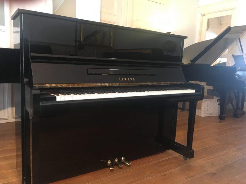 Yamaha U1 (verkocht)